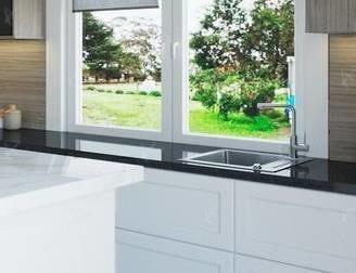 Кухонная мойка у окна — за и против