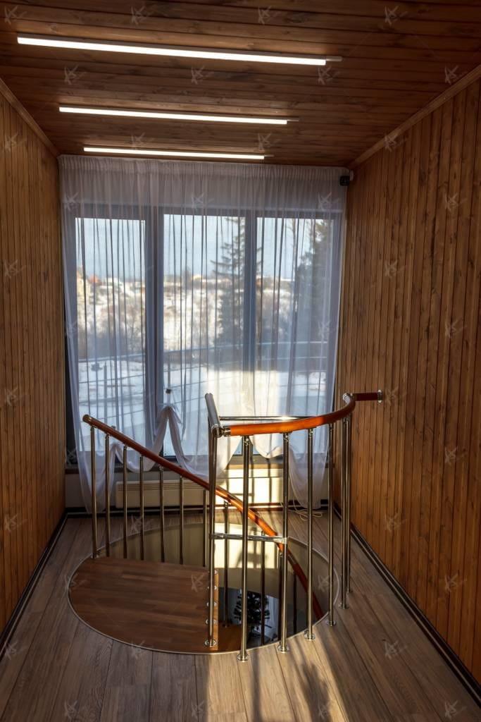 лестница в банном комлпексе