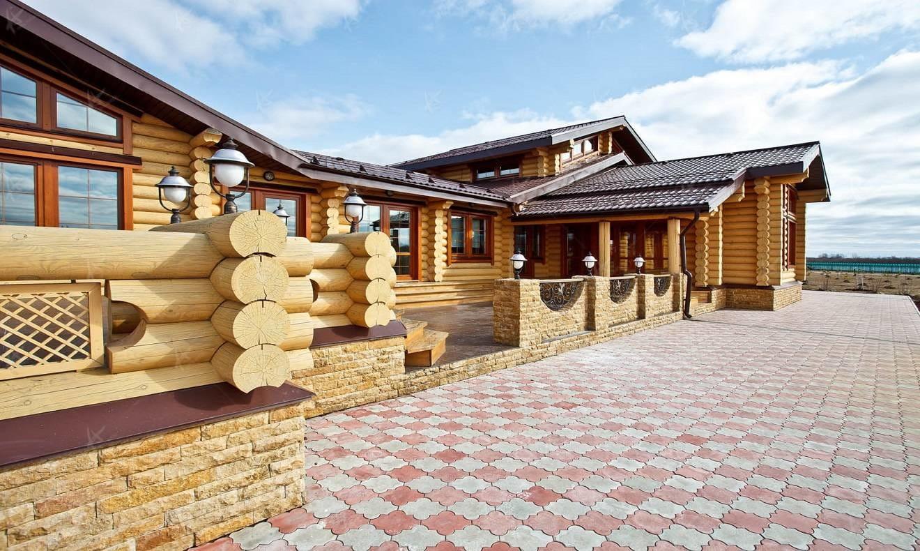 Дизайн проект Семейные традиции — вид на дом со двора